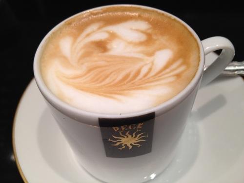 PECKのカフェマッキアート