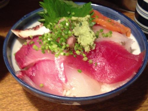 魚正宗の海鮮丼