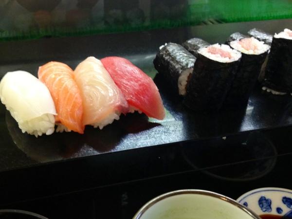 那古野寿司のすし