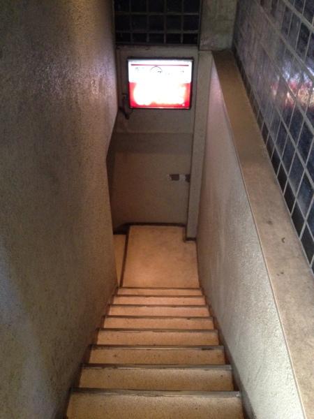 グロリア 階段